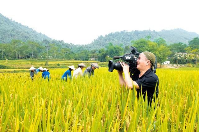 Những bức ảnh nghìn like tại cuộc thi ảnh Những người làm truyền hình - Ảnh 4.