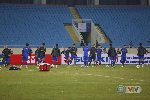 ĐT Việt Nam tập luyện làm quen sân trước trận giao hữu - Ảnh 1.