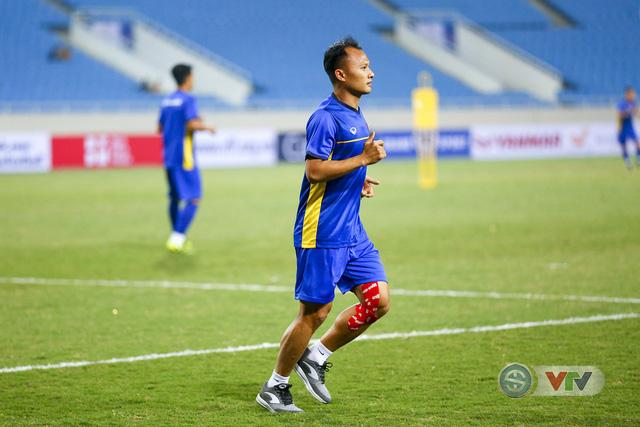 ĐT Việt Nam tập luyện làm quen sân trước trận giao hữu - Ảnh 5.