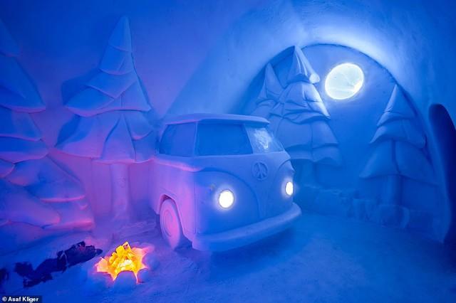 Choáng ngợp với những tuyệt tác điêu khắc trong khách sạn băng Thụy Điển - Ảnh 3.