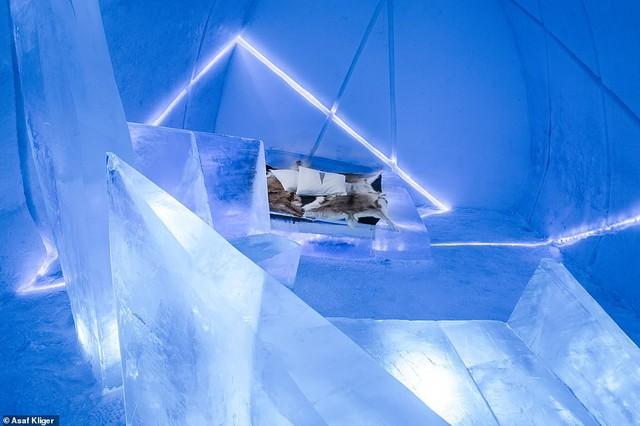 Choáng ngợp với những tuyệt tác điêu khắc trong khách sạn băng Thụy Điển - Ảnh 5.