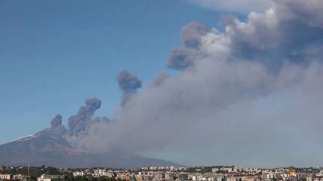 Italy: Động đất 4,8 độ Richter, khoảng 30 người bị thương - Ảnh 1.