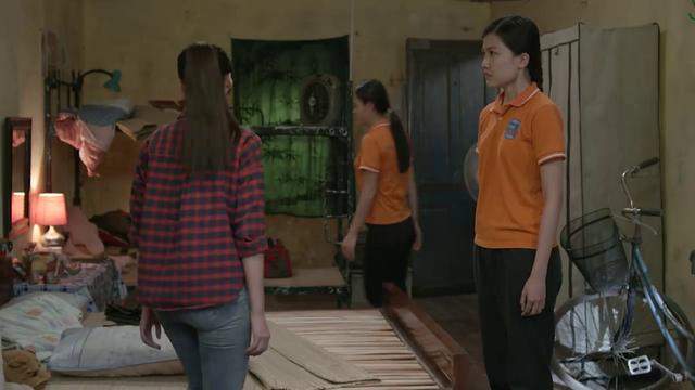 Những cô gái trong thành phố - Tập 4: Mai bị xâm hại ở bãi đất hoang, 2 chị có giải cứu kịp? - Ảnh 1.