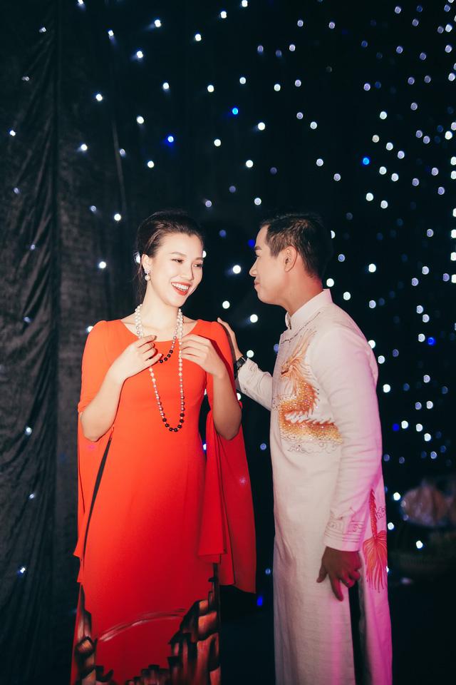 Hoàng Oanh gợi cảm, tình tứ bên MC Nguyên Khang - Ảnh 8.