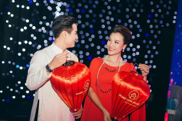 Hoàng Oanh gợi cảm, tình tứ bên MC Nguyên Khang - Ảnh 7.