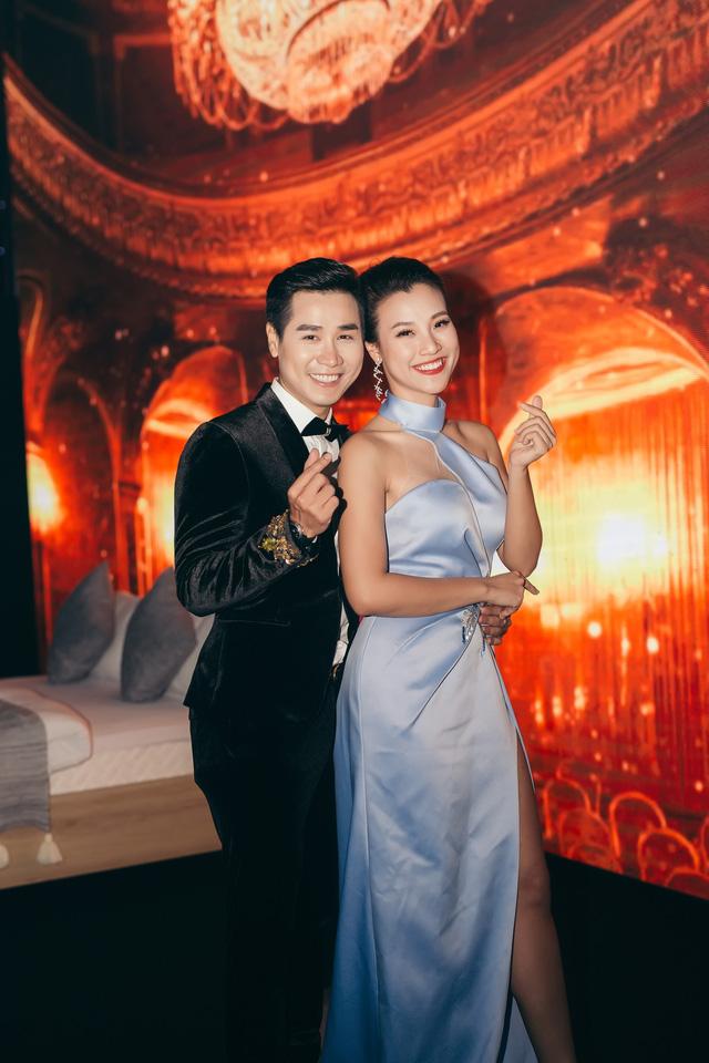 Hoàng Oanh gợi cảm, tình tứ bên MC Nguyên Khang - Ảnh 3.
