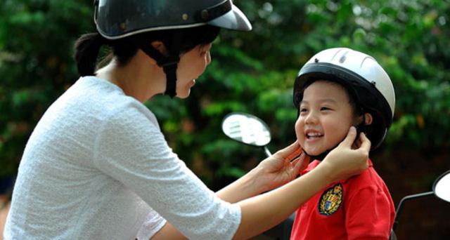 Cuộc hẹn giao thông 15h: Đảm bảo an toàn cho trẻ khi tham gia giao thông - Ảnh 2.