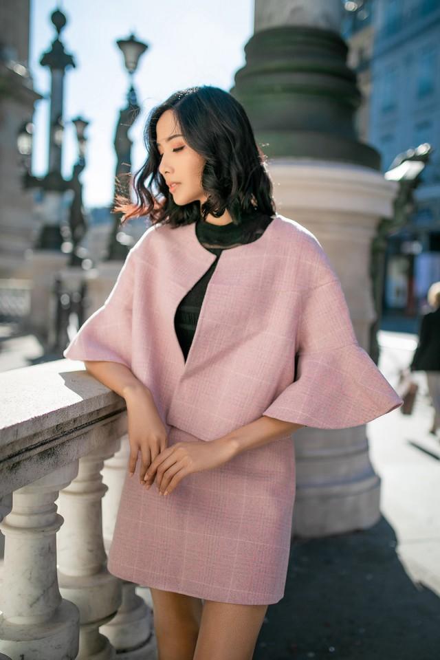 Hoàng Thùy khoe gu thời trang sành điệu tại Paris - Ảnh 5.