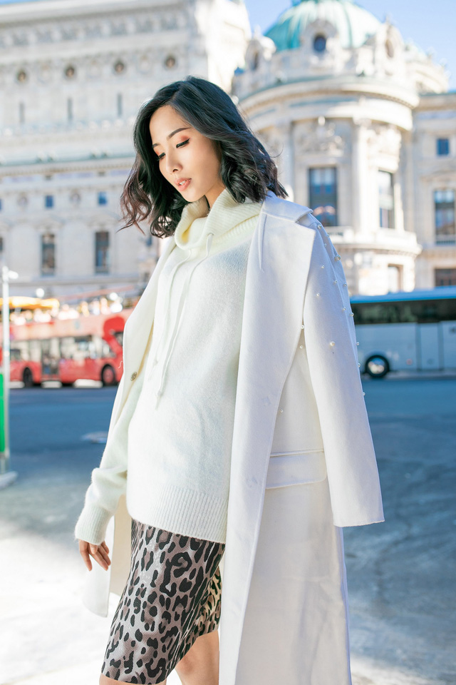 Hoàng Thùy khoe gu thời trang sành điệu tại Paris - Ảnh 2.