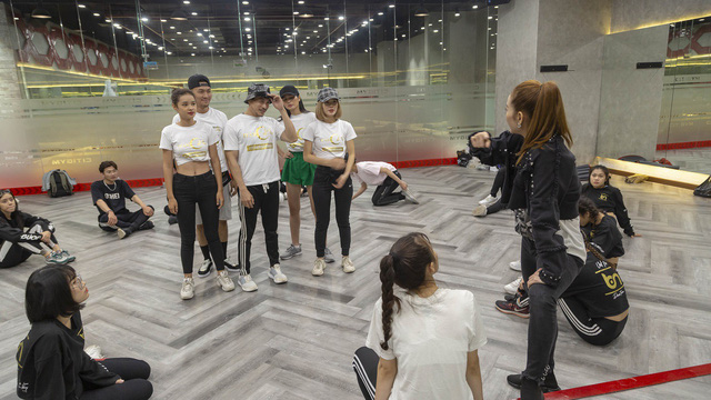 """Chi Pu khuấy động chung kết The Face Vietnam 2018 với hit mới """"Mời anh vào team em"""" - Ảnh 2."""
