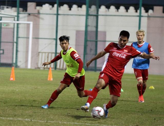 ẢNH: Buổi tập đầu tiên của ĐT Việt Nam tại Qatar chuẩn bị cho Asian Cup 2019 - Ảnh 10.