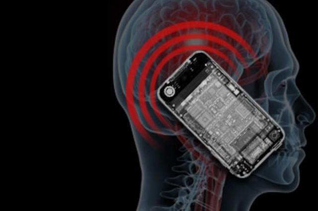 Đại biểu Quốc hội cảnh báo: Cẩn trọng với ảnh hưởng của bức xạ điện từ đến sức khỏe con người - Ảnh 1.