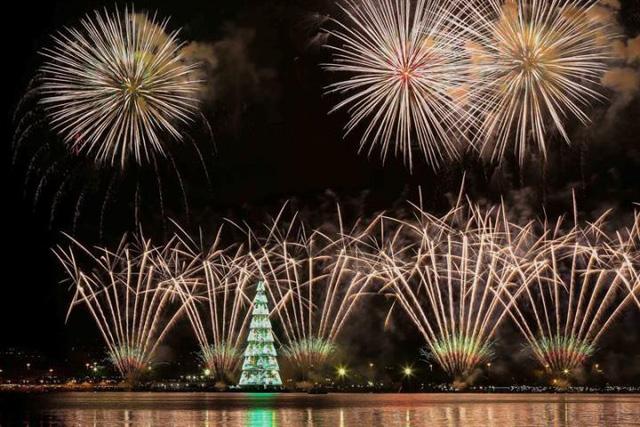 Không khí Giáng sinh sớm ở Rio de Janeiro, Brazil - Ảnh 1.