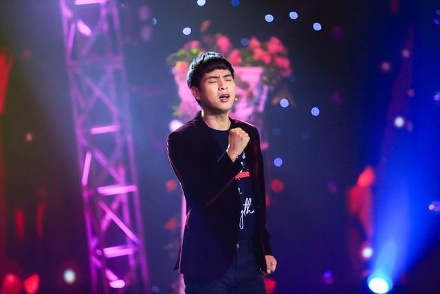 Hồ Quang Hiếu đốn tim fan với loạt hit quen thuộc tại Âm nhạc & Bước nhảy - Ảnh 1.