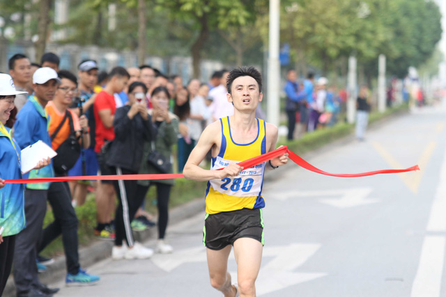 Môn Điền kinh Đại hội TTTQ 2018: Chị em Thanh Phúc, Thành Ngưng giành 2 HCV cuối cùng - Ảnh 3.