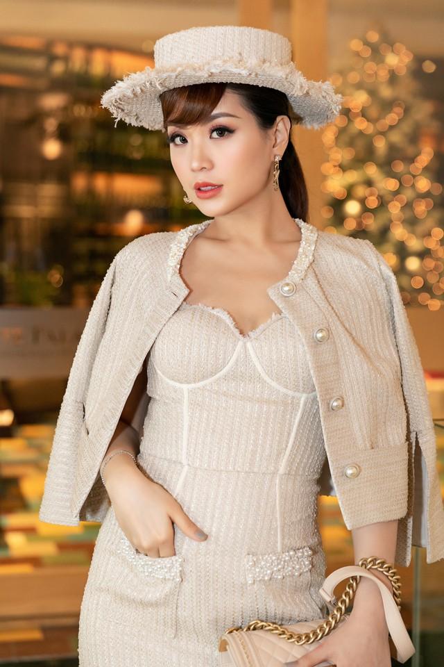 BTV Diễm Trang biến hóa với phong cách quý tộc cổ điển bên con gái - Ảnh 5.