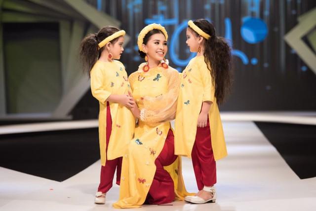 Hoa hậu Tiểu Vy diện áo dài rạng rỡ cùng dàn mẫu nhí - Ảnh 8.