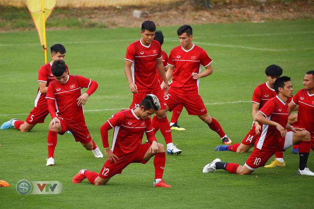 AFF Cup 2018: ĐT Việt Nam đón tin không vui trước trận bán kết lượt về - Ảnh 5.
