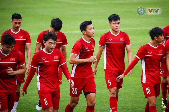 AFF Cup 2018: ĐT Việt Nam đón tin không vui trước trận bán kết lượt về - Ảnh 4.
