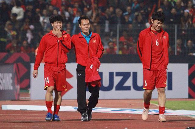 AFF Cup 2018: Văn Toàn không thể tham dự trận bán kết lượt về với ĐT Philippines - Ảnh 1.