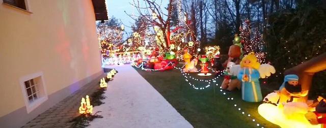 Rực rỡ ngôi nhà Giáng sinh ở Áo - Ảnh 2.
