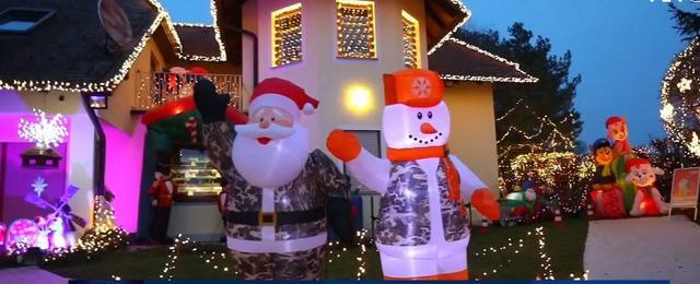 Rực rỡ ngôi nhà Giáng sinh ở Áo - Ảnh 4.