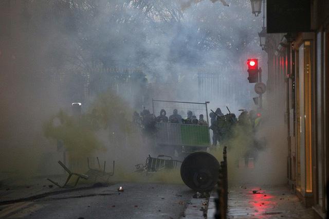 Chính phủ Pháp kêu gọi người biểu tình tránh bị lợi dụng - Ảnh 1.