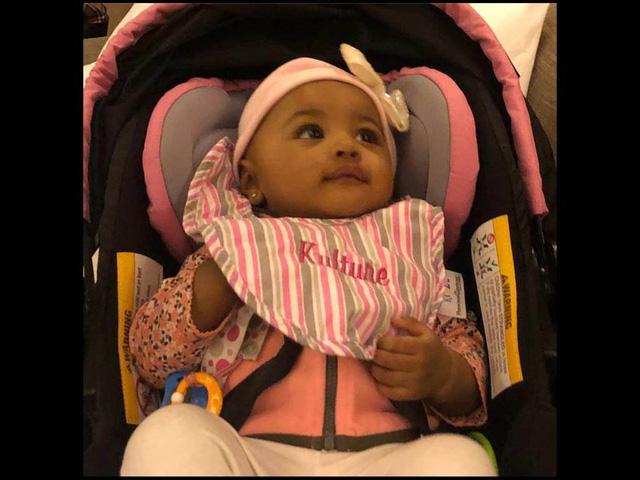 Cardi B lần đầu công khai ảnh con gái trên mạng xã hội - Ảnh 1.