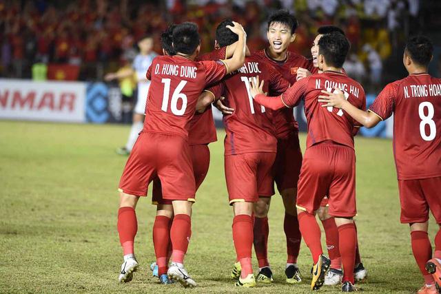 Bán kết lượt về AFF Cup 2018, ĐT Việt Nam - ĐT Philippines: Không thể chủ quan! (19h30 hôm nay trên VTV5 & VTV6) - Ảnh 1.