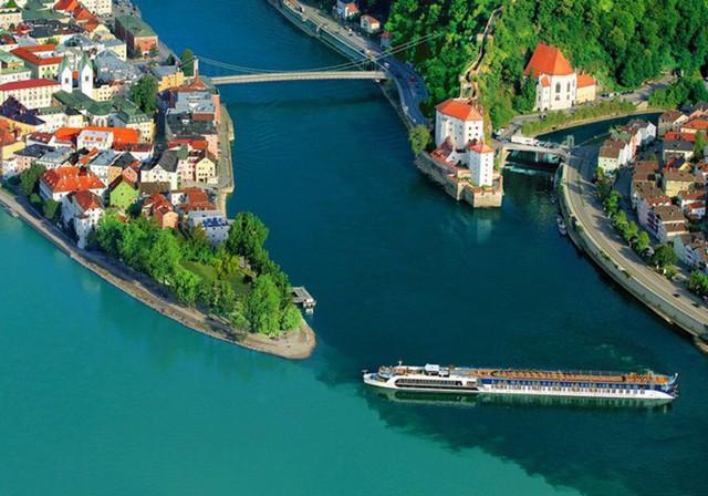 Những dòng sông dài và đẹp nhất thế giới - Ảnh 1.