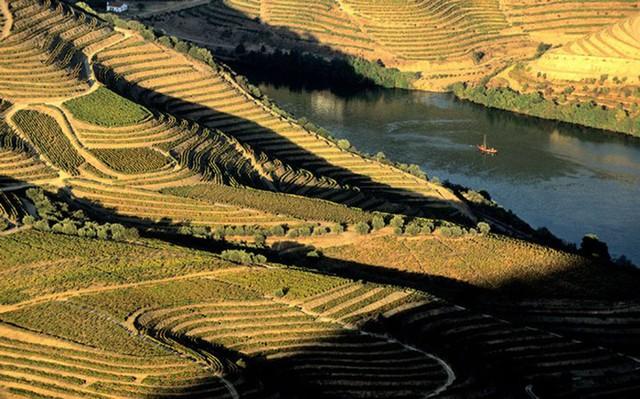 Những dòng sông dài và đẹp nhất thế giới - Ảnh 13.