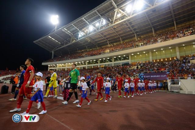 ẢNH: Toàn cảnh ĐT Việt Nam giành chiến thắng trước ĐT Philippines trên sân Mỹ Đình - Ảnh 1.