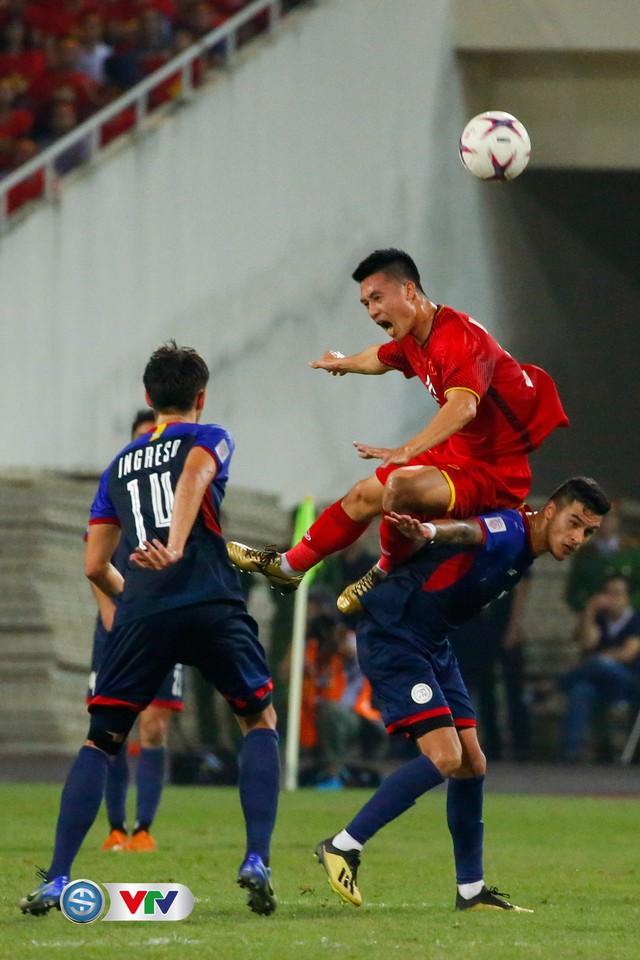 ẢNH: Toàn cảnh ĐT Việt Nam giành chiến thắng trước ĐT Philippines trên sân Mỹ Đình - Ảnh 16.