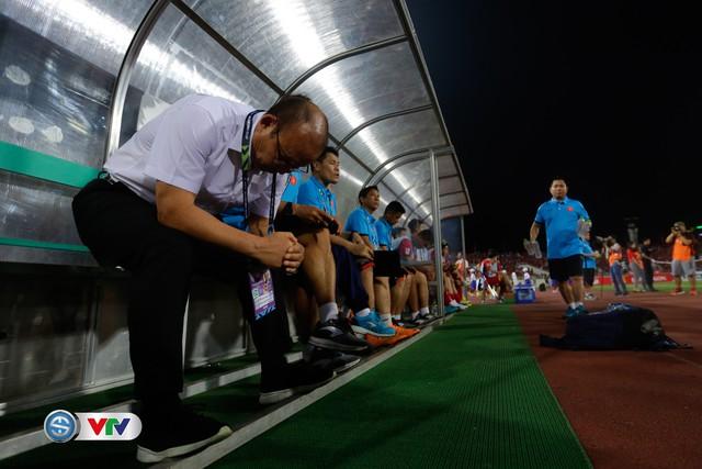 ẢNH: Toàn cảnh ĐT Việt Nam giành chiến thắng trước ĐT Philippines trên sân Mỹ Đình - Ảnh 4.