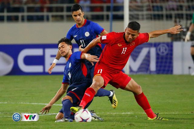 ẢNH: Toàn cảnh ĐT Việt Nam giành chiến thắng trước ĐT Philippines trên sân Mỹ Đình - Ảnh 6.