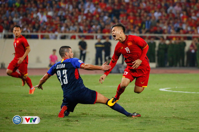 ẢNH: Toàn cảnh ĐT Việt Nam giành chiến thắng trước ĐT Philippines trên sân Mỹ Đình - Ảnh 7.
