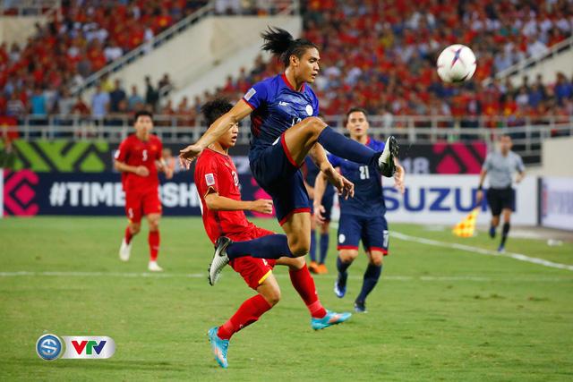 ẢNH: Toàn cảnh ĐT Việt Nam giành chiến thắng trước ĐT Philippines trên sân Mỹ Đình - Ảnh 8.