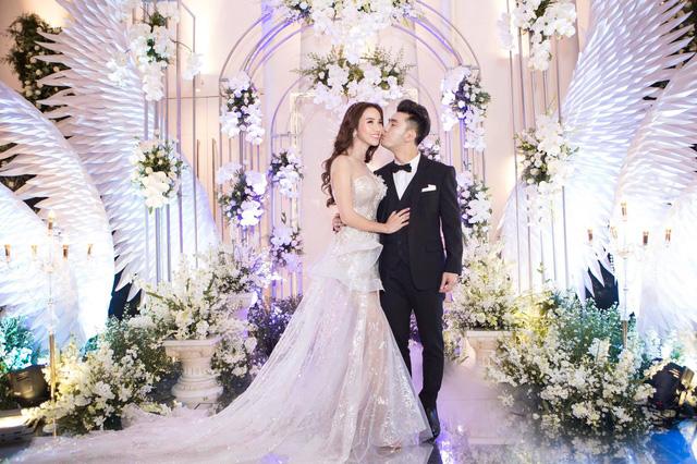 Hậu đám cưới, Ưng Hoàng Phúc làm MV tặng bà xã - Ảnh 1.