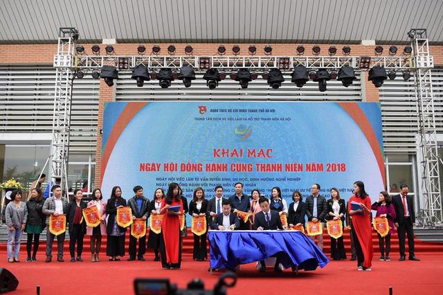 Hà Nội ra mắt Trung tâm dịch vụ việc làm và hỗ trợ thanh niên - Ảnh 2.