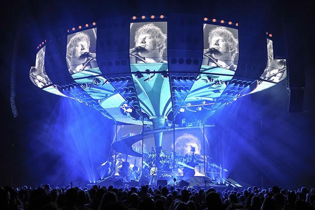 Vượt qua Taylor Swift, tour diễn của Ed Sheeran có doanh thu cao nhất 2018 - Ảnh 1.