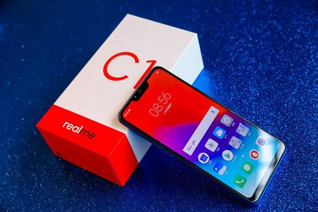 Các hãng smartphone đua nhau giảm giá dịp cuối năm - Ảnh 1.