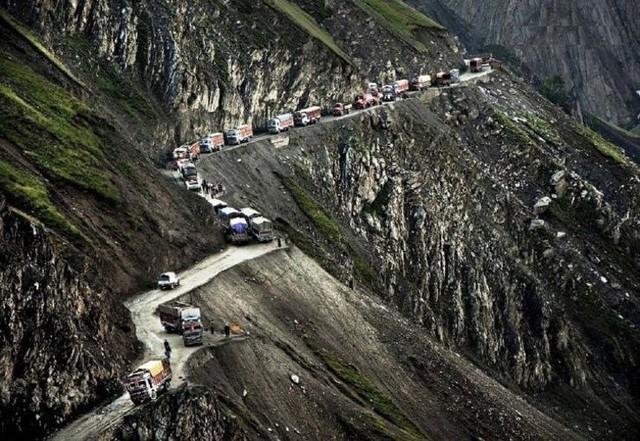 10 cung đường nguy hiểm nhất thế giới - Ảnh 4.