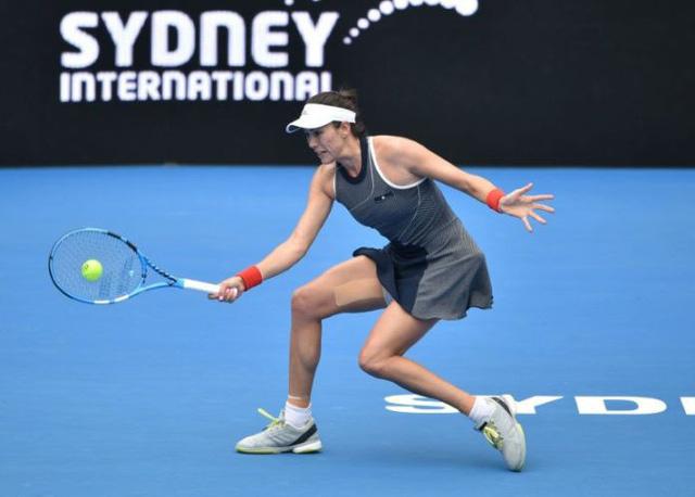 Giải quần vợt Sydney International: Muguruza, Radwanska thẳng tiến - Ảnh 1.