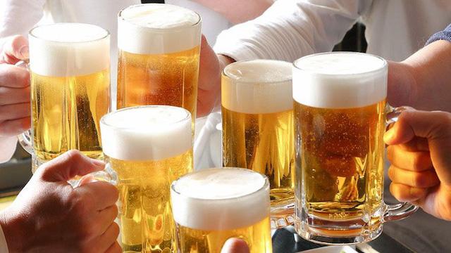 Phát sốt vì ứng dụng nhờ người uống rượu tại Trung Quốc - Ảnh 1.