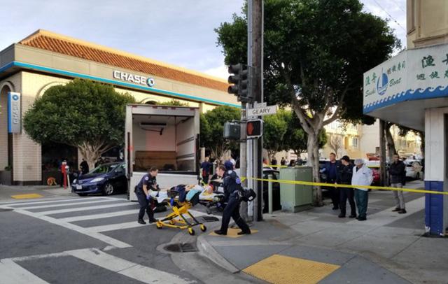 Mỹ: Xe tải lao vào người đi bộ tại San Francisco - Ảnh 1.
