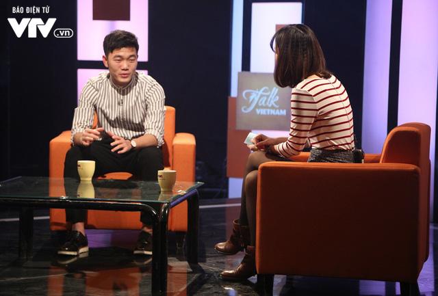 Xuân Trường bảnh như trai Hàn trong Talk Vietnam - Ảnh 2.