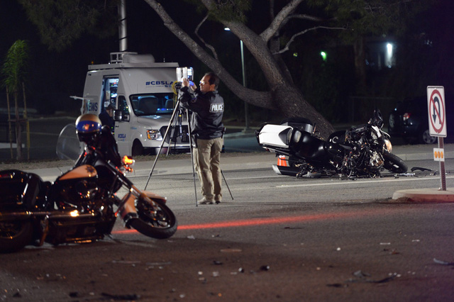 Đoàn mô tô hộ tống Thủ tướng Canada gặp tai nạn tại California, Mỹ - Ảnh 1.