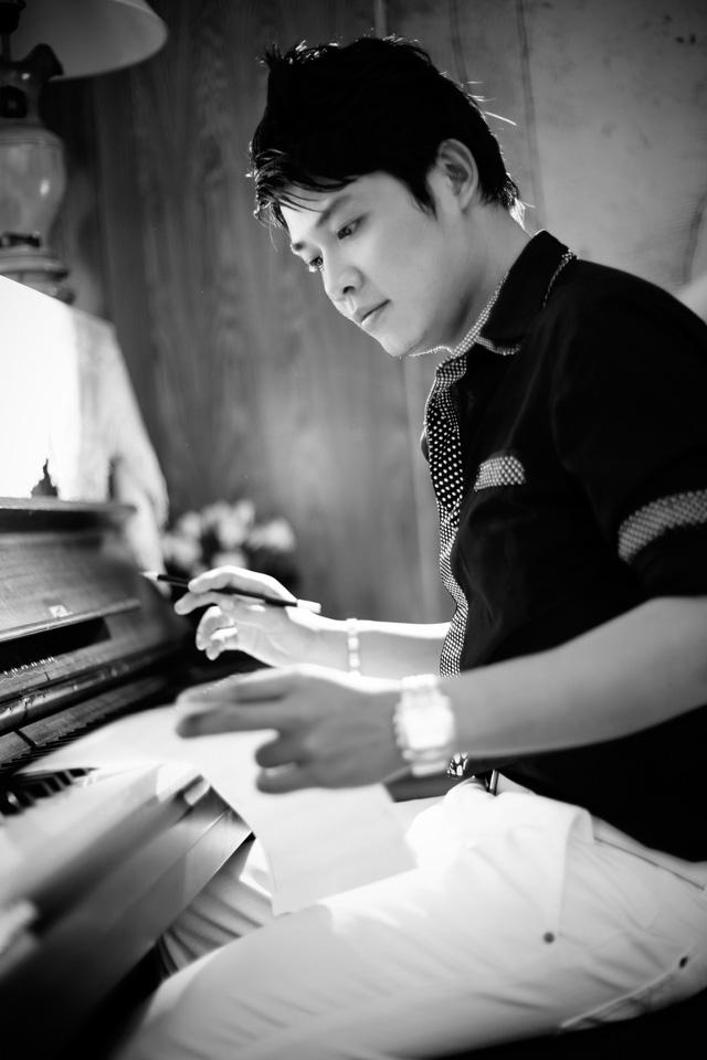 """Nhạc sĩ Nguyễn Văn Chung: """"Viết nhạc bằng sự rung động…"""" - Ảnh 1."""