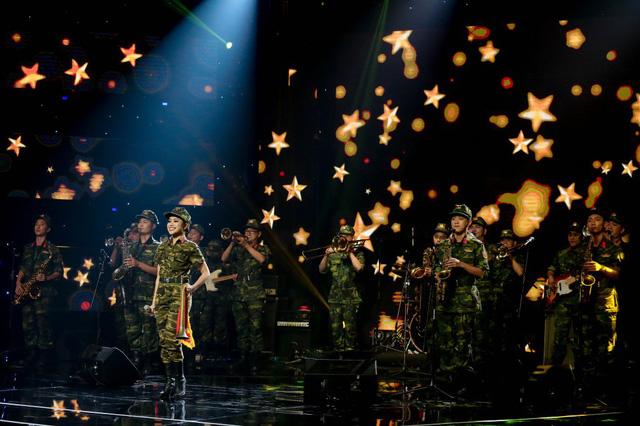 Quán quân Ban nhạc Việt mùa đầu tiên gọi tên An Nam - Ảnh 8.
