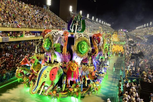 Tưng bừng lễ hội Carnival tại Brazil - Ảnh 3.